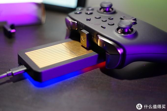 随手一放,游戏手柄也可以无线充电,谷粒随心充手柄充电座开箱体验