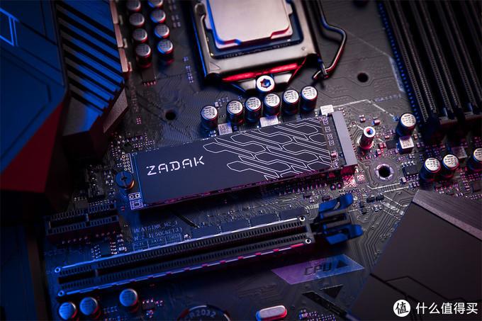 ZADAK扎达克 发布 TWSG3 M.2 NVMe SSD,石墨烯散热片、3.5G/s读速