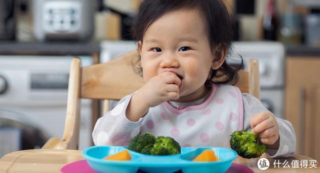 一岁娃走路跌跌撞撞、吃饭爱手抓,这几款育儿好物帮大忙,照单收