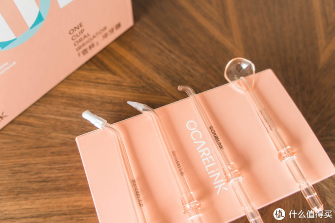 颜值与实用并存!粉红少女心炸裂的欧卡尔琳[壹杯]便携冲牙器!