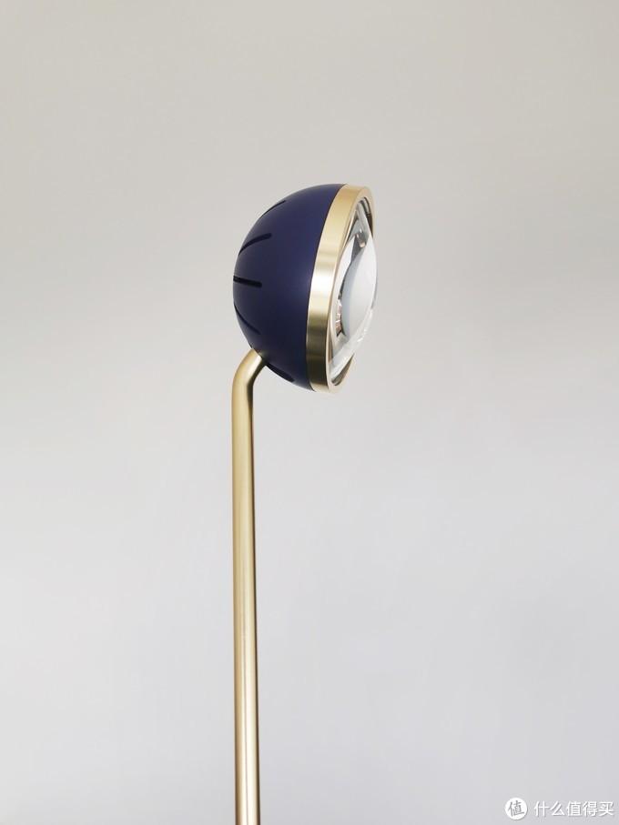 台灯推荐:专业光学透镜、聚焦光圈,适合大人办公桌、学生读书桌的台灯
