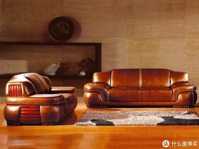 皮质沙发还是布艺沙发?沙发没选对,5年换3套