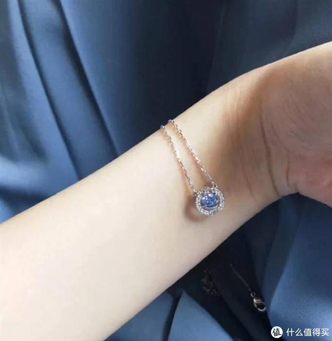 颈间的浪漫悦动,施华洛世奇蓝色耀动的心评测