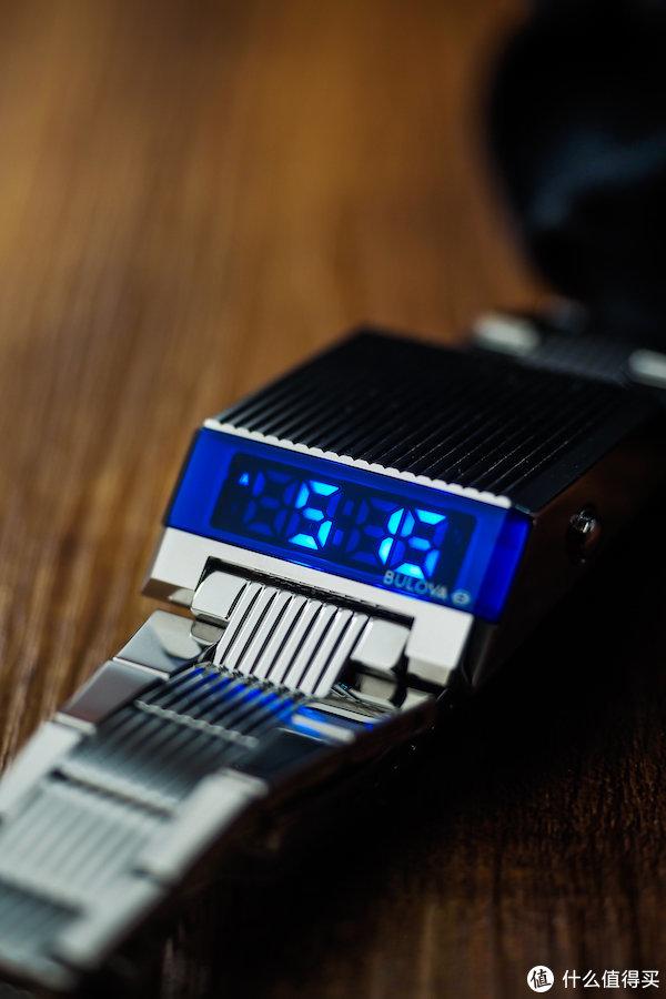 好看,独特,买得起…这枚70年代的复刻电子表完美符合我的买表动机!