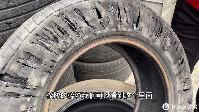 轮胎扎钉子为何直接报废?车主:我以为轮胎缺气只跑一公里没问题