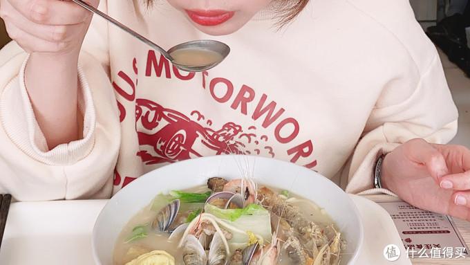 不过不爱吃海鲜的可能会觉得稍稍有点腥