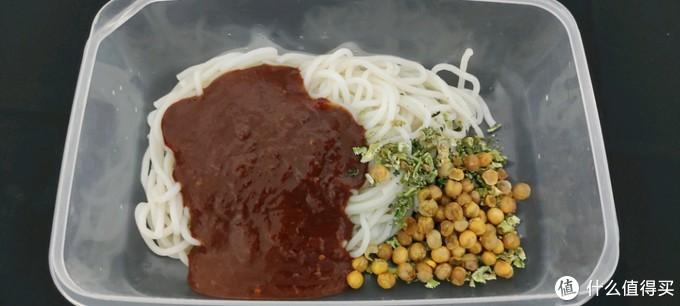 四川人做的新疆炒米粉是泡出来的
