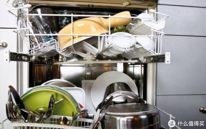 """如何挑选合适的家用洗碗机?科技犬解读""""洗碗机国家能效标准""""来帮您"""