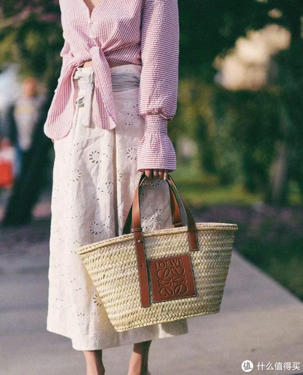 你会花四千块买一草编帆布包吗?说的就是Chloe WOODY新系列