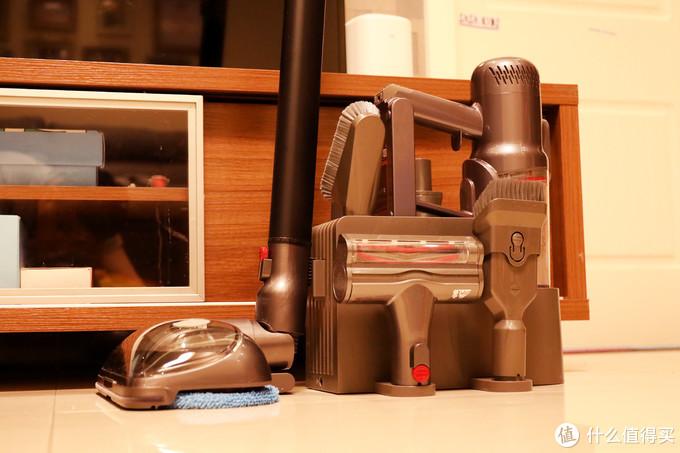 它应该是近几年我用过最顺手的手持无线吸尘器,小狗T12 Plus Rinse擦地吸尘器评测