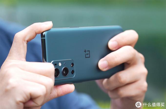一加9 Pro评测:除了联名哈苏相机,还有值得入手的优势吗?
