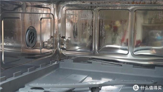 洗碗机内壁冷凝水