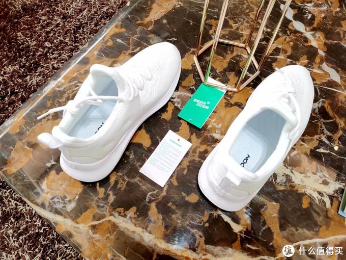 咕咚智能5K跑鞋2.0,民族跑鞋,走跑两相宜