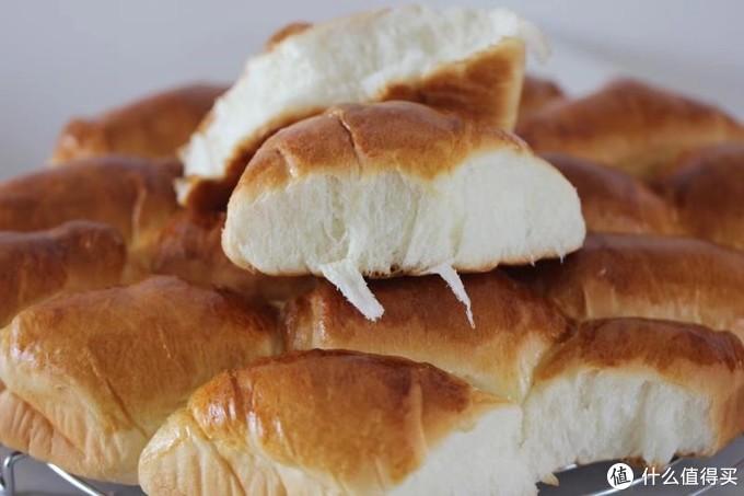 拉丝牛奶面包