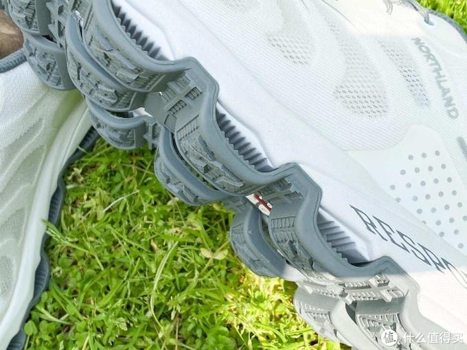 追随户外大佬的脚步,我也入手了诺诗兰徒步鞋,竟然同想象的不同