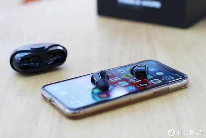 这是一款可以听歌的指尖陀螺:渡漫R1 PRO无线耳机