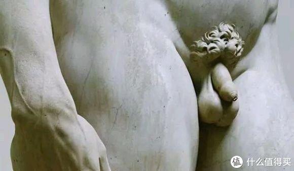 我特别喜欢的米开朗琪罗,他雕塑的大卫,智慧与勇气、力与美的象征,也是包皮过长,所以大家如果有这个问题的话坦然面对就行。