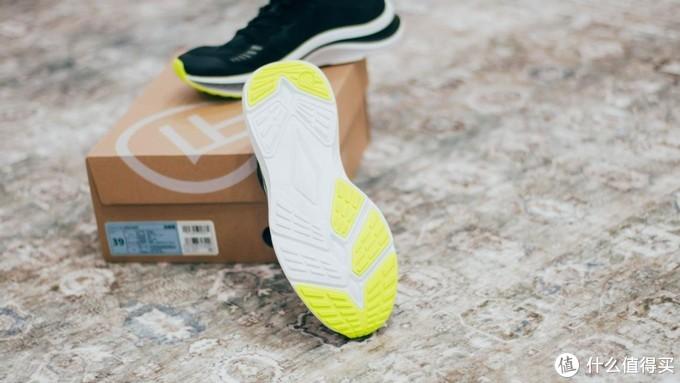支持新疆棉花,以后买国货——FREETIE超轻缓震竞速跑鞋