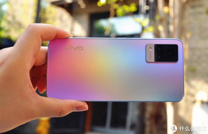 vivo S9测评:自拍性能全面升维,轻薄旗舰岂止于美