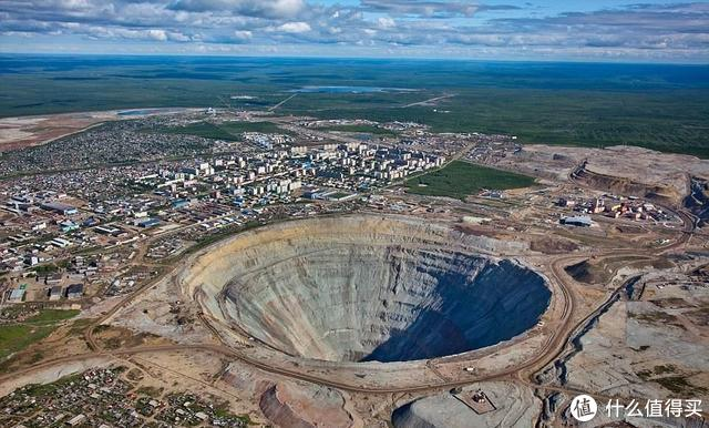 金伯利的钻石矿,矿坑也是钻石的形状呢