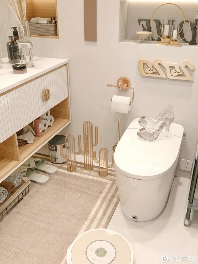 4.8平温暖明亮浴室✨白色花洒太美啦