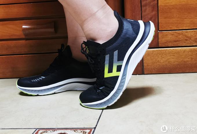 性价比超高的竞速轻跑鞋,这样的国货怎能不爱?