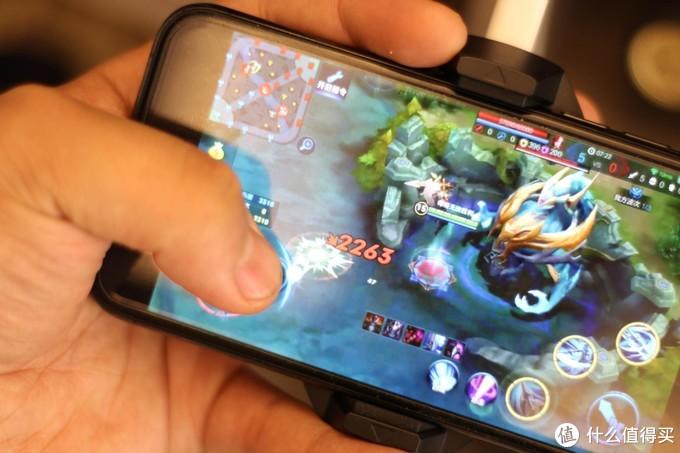 iPhone玩游戏发热危害不小,百元小神器轻松解决保护你的手机