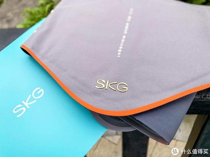 比苹果手机还薄的新品,SKG用科技守护打工人腰部健康