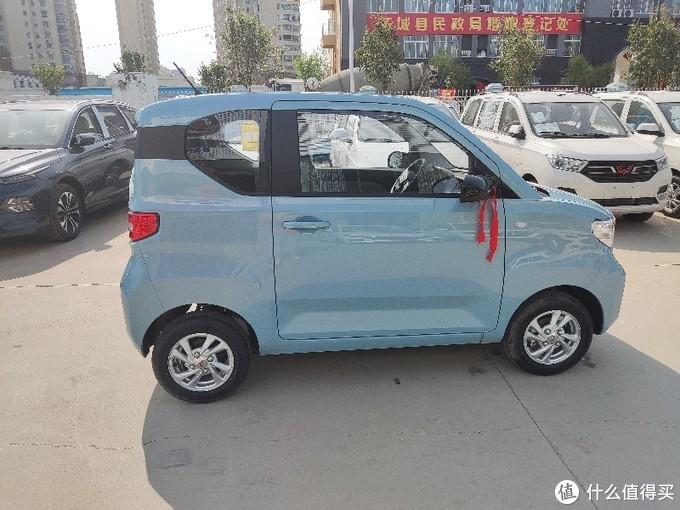 9999的五菱mini已经提了,政府又补贴2000到手算7999。