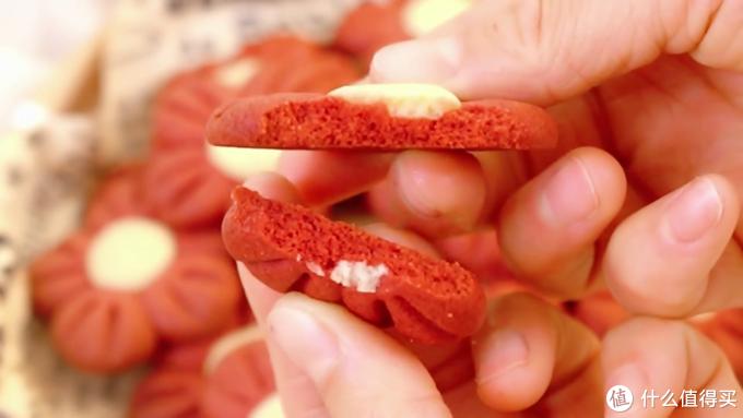 自制小红花曲奇饼干,酥得掉渣渣,关键是颜值超nice