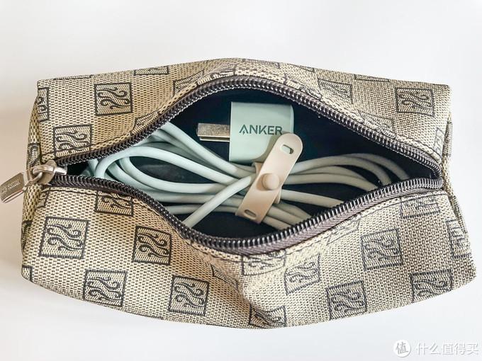 iPhone12实用配件:Anker Nano 20W小彩充 + MFI认证亲肤数据线体验