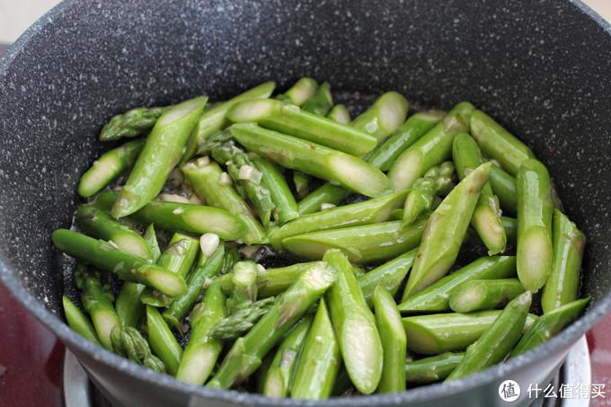 春季不能错过的快手小炒,鲜嫩美味营养十足,有荤有素倍儿下饭!