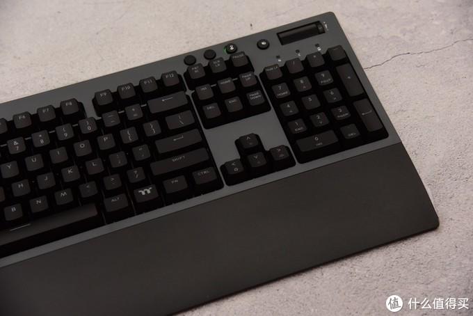 内置锂电,真正起飞!—TT G521PRO键盘全新升级