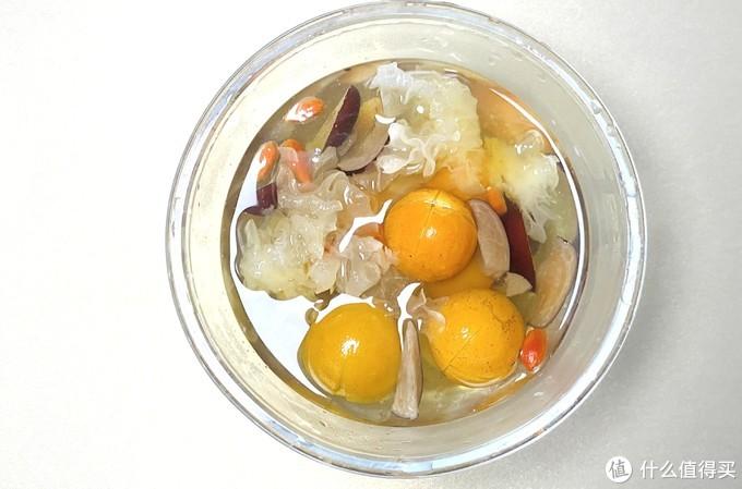 生津止渴的金桔银耳糖水这么做,润肺止咳又化痰,做法简单,暖心又暖胃