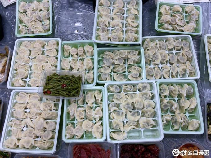 岳云鹏36岁生日独自吃外卖,媳妇发大红包弥补,这次没吃上饺子