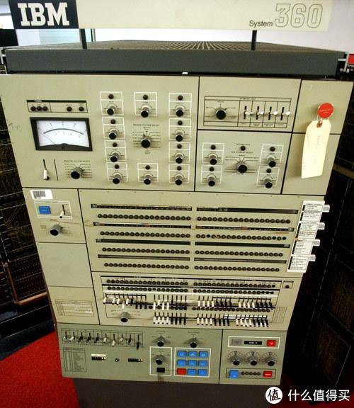 科技东风丨realme降噪无线耳机现身、外星人发布锐龙游戏本、E Ink发布四色电子纸