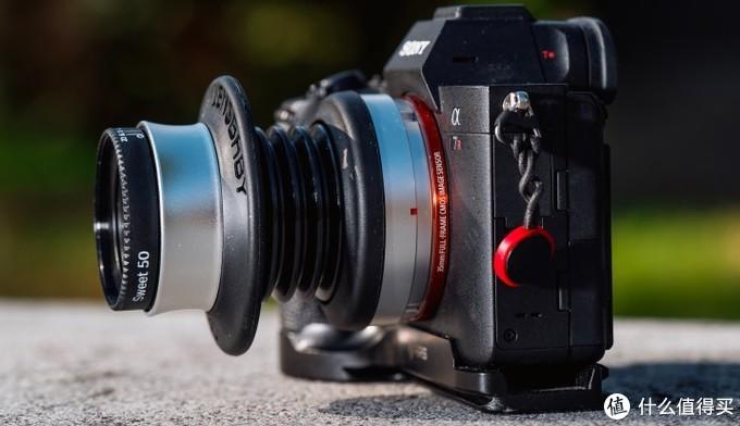 外出取景利器-索尼α 7R加Spark 2.0 镜头