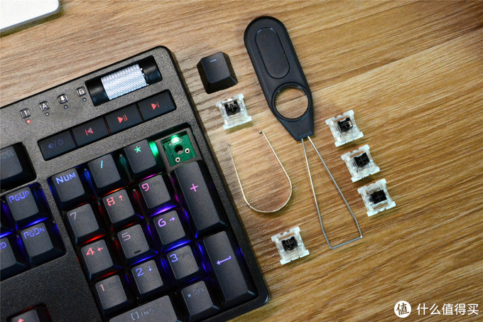 超频三GI801黑轴机械键盘,游戏越激烈,优势越明显