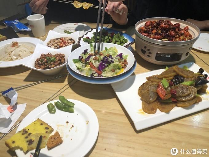 打卡马云光顾过的烧烤店,30年的老味道,5个人吃了272元,真实惠
