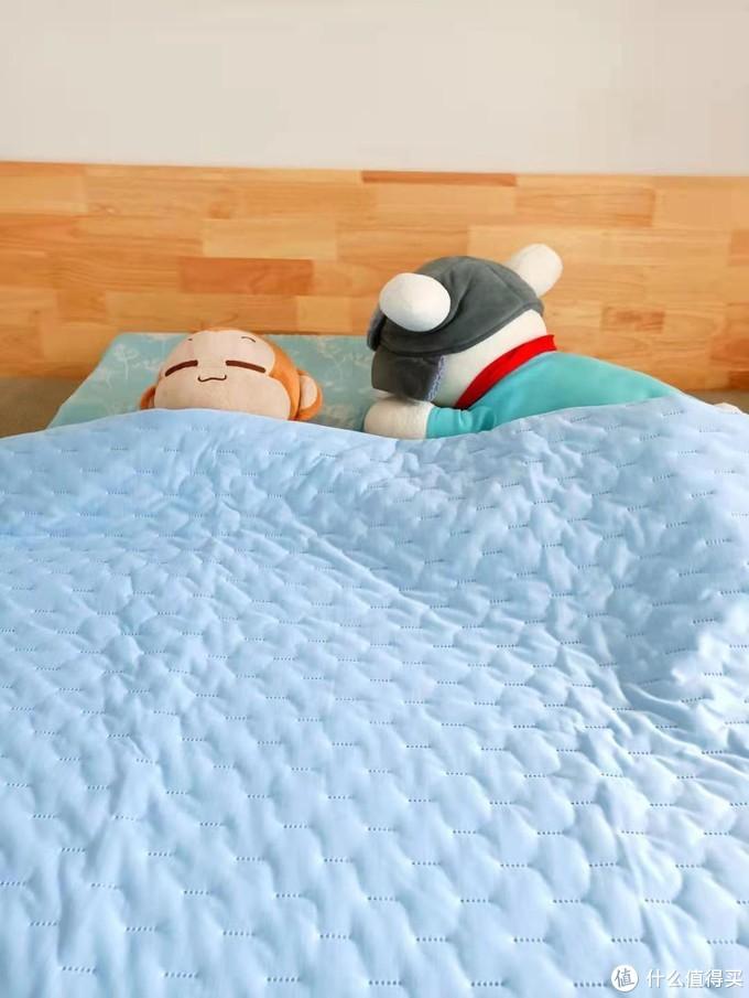炎炎夏日每晚深睡,你需要滑滑软软香香冰冰的被!