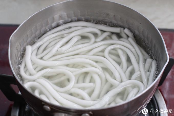 家常炒土豆粉做法,成本几块钱比外卖干净实惠,一盘吃了个精光!