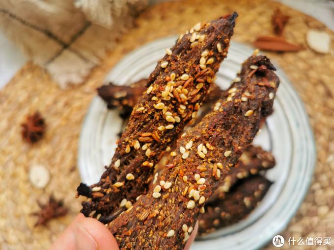 春季我家常吃这肉,高蛋白低脂肪,不炒不炖做一盘,手撕着就吃了