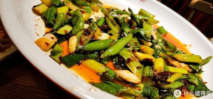成都此店吃了一顿正宗的鱼香肉丝和回锅肉,方知被北方改良川菜欺骗二十年