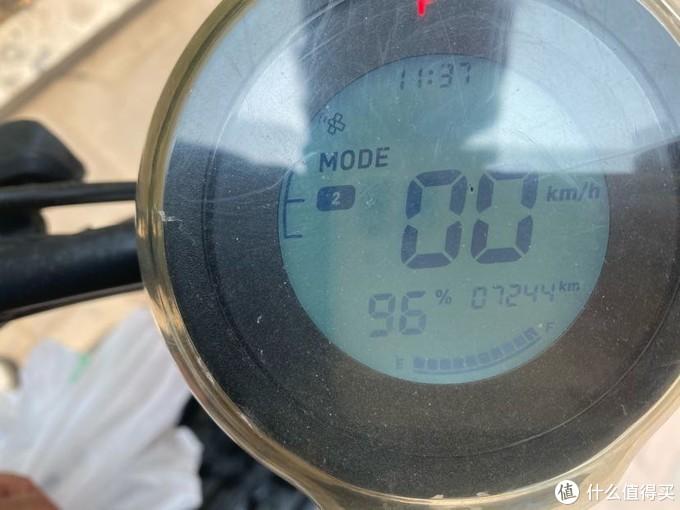 显示电量,档位,时速,时间