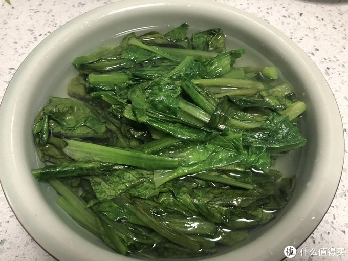 """春天吃菠菜、莴笋不如吃它,钙比莴笋多1倍,被誉为""""蔬菜凤尾"""""""