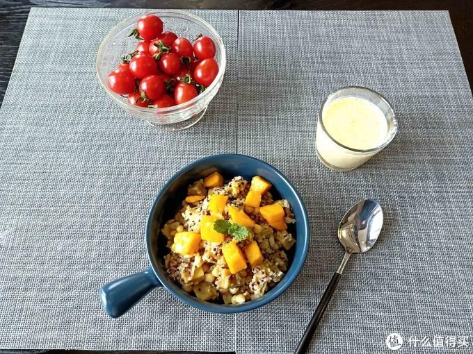 43岁女人的减脂餐,吃得舒服又简单,网友:难怪这么多年没胖过