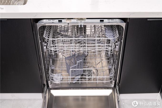 安装洗碗机,你选择砸地硬刚,还是完美嵌入?