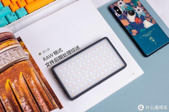 我的vlog设备入坑推荐,索尼ZV-1+微徕RGB补光灯,钱少花事多办