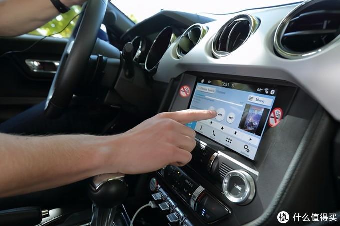 国货再次火了:1个U盘就能改装汽车音响,别让盗版毁坏车载音乐