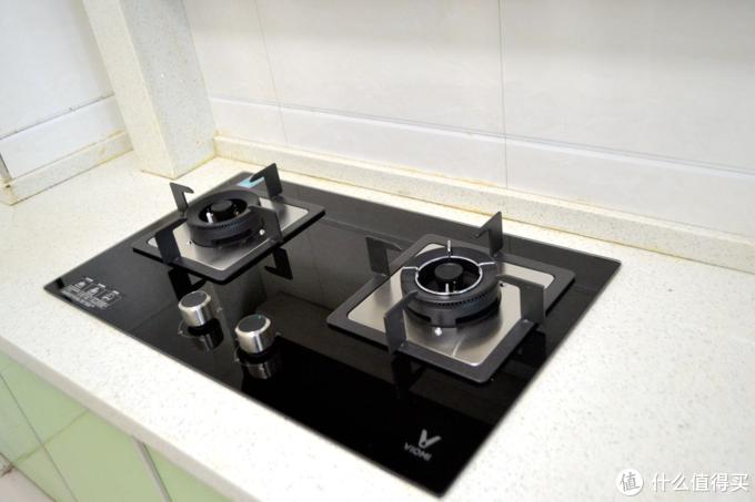云米这是颠覆传统厨房还是多此一举?除了可以自己清洁,云米这款油烟机其他操作有点鸡肋